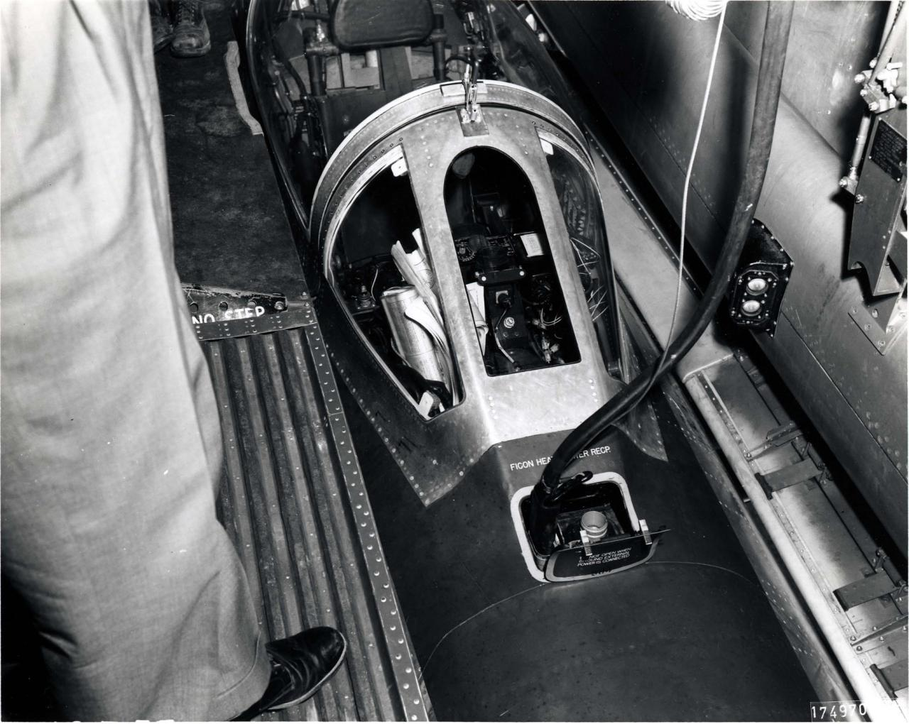 RF-84F FICON - Minimonde76